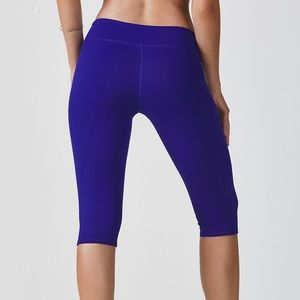 Fabletics Blue Midrise Powerhold Crop XS